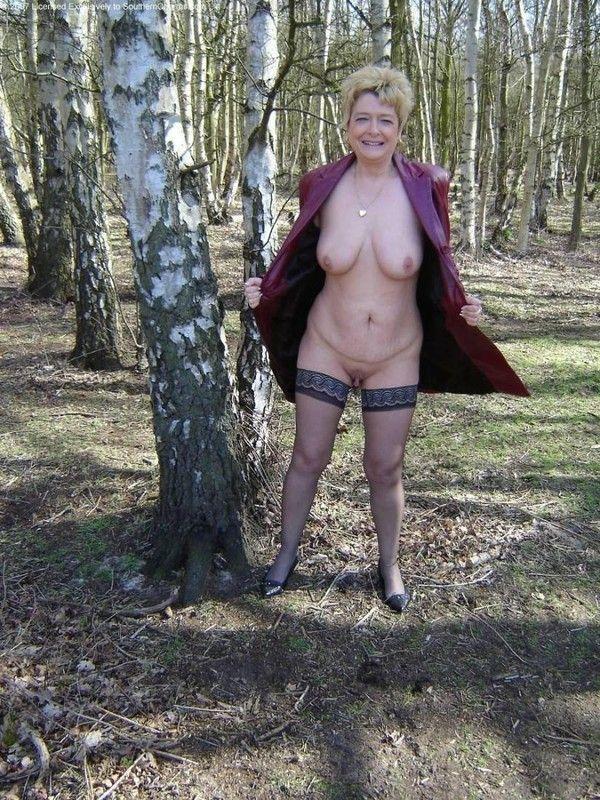 mature dans les bois photos de vieilles salopes nues