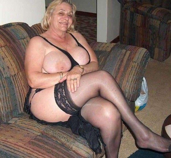 Fat vieilles dames nues