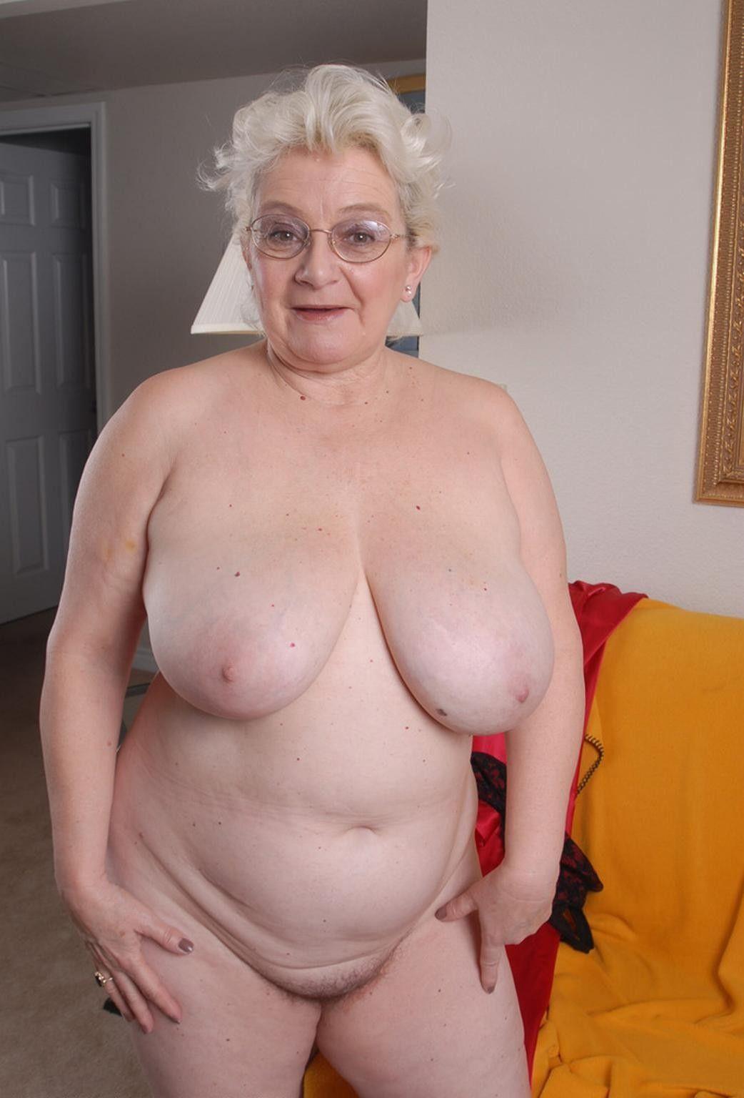 video vieille femme nue